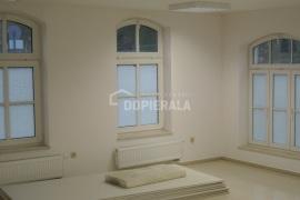 Obiekt komercyjny na wynajem o pow. 17 m2